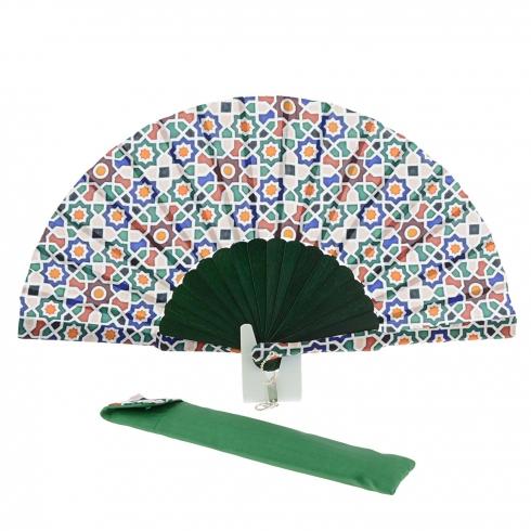 https://cache2.paulaalonso.es/10747-106967-thickbox/abanico-batik-verde-estampado-multicolor.jpg