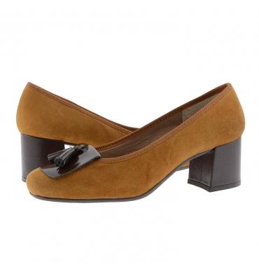 https://cache.paulaalonso.es/11556-112341-thickbox_default/zapatos-tacon-alto-piel-ante-cuero-con-borlas.jpg