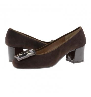 https://cache.paulaalonso.es/11558-112353-thickbox_default/zapatos-piel-ante-marron-y-chapon-metalico.jpg