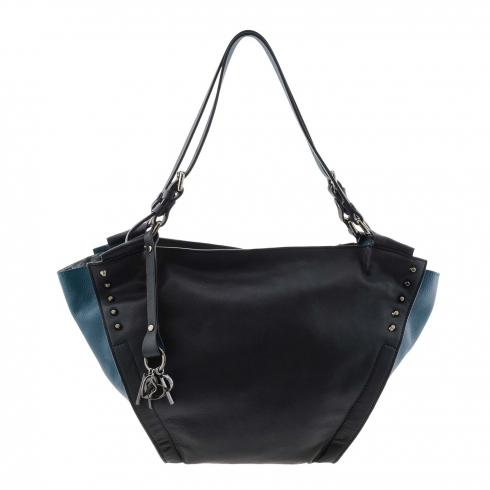https://cache1.paulaalonso.es/11779-114010-thickbox/bolso-bicolor-piel-negra-y-azul-estilo-cesta.jpg